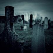 Metalldiebe plündern Grab einer Zweijährigen (Foto)