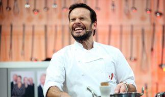 Bei so viel Koch-Quatsch kann selbst Steffen Henssler nicht hinschauen. (Foto)