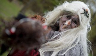 Zur Walpurgisnacht verkleidet sich so manch eine Dame als Hexe. (Foto)