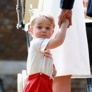 Prinz George stahl seiner kleinen Schwester zu deren Taufe beinahe die Show, so süß war er.