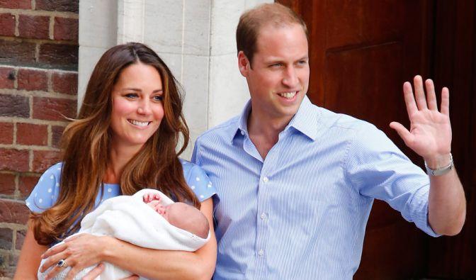 Am 22. Juli 2013 macht der kleine George Alexander Louis um 17.24 Uhr das Liebesglück seiner Eltern Kate und William perfekt. Stolze 3.798 Gramm wog der kleine Prinz bei seiner Geburt. (Foto)