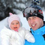 Prinzessin Charlotte bereitet der viele Schnee sichtlich Freude.