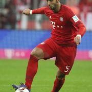 Flieht dieser Bayern-Kicker vor Mats Hummels? (Foto)