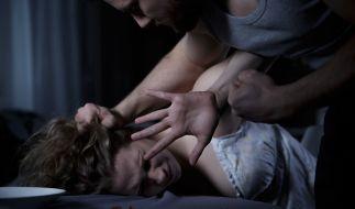 Nicht nur in Höxter fielen Frauen Psychopaten zum Opfer. In den letzten Jahren gab es einige erschütternde Fälle von Folter und Missbrauch. Symbolbild. (Foto)
