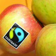 Das kreisförmige Fairtrade-Siegel in den Farben Schwarz, Blau und Grün ist das bekannteste Label, wenn es um fair gehandelte Lebensmittel geht. (Foto)