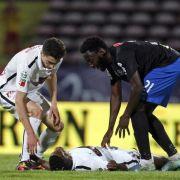 Fußballprofi Ekeng stirbt während Ligaspiels (Foto)