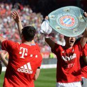 Darmstadt feiert den Klassenerhalt - Bayern wieder Meister (Foto)