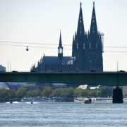 Schüsse in Köln! Mann aus fahrendem Auto niedergeschossen (Foto)