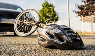 Ein Autofahrer steht in Köln vor Gericht, weil er durch zu schnelles Fahren im Ort einen Radfahrer tödlich verletzt hat. (Foto)