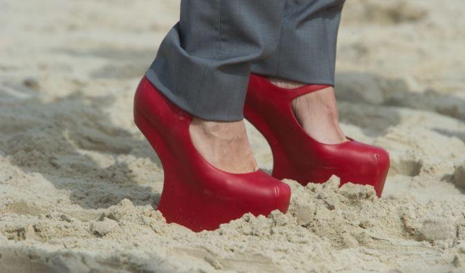 Elegant im Sand - so kann eigentlich nur eine Person stolzieren. (Foto)