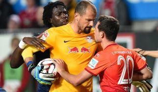 Ab Juni wird es neue Regeln im Fußball geben. Einige bieten Potential zum Streiten, andere zum Kopfschütteln. (Foto)