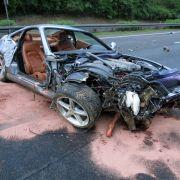 Ferrarifahrer crasht bei Tempo 300 (Foto)