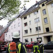 Brand in Duisburger Wohnhaus! 3 Tote, 28 Verletzte (Foto)