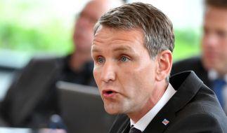 Thüringens AfD-Landeschef Björn Höcke bricht in Erfurt ein Parteitabu. (Foto)