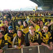 BVB Dortmund gegen FCB beim Public Viewing und das Fanfest in Berlin (Foto)