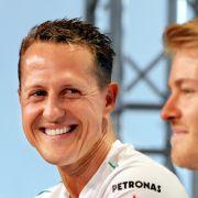 Sebastian Vettel und Dirk Nowitzki kicken für Schumi (Foto)