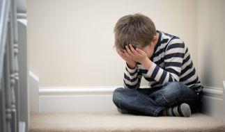 Über 15 Monate soll eine Mutter ihren Sohn misshandelt haben. (Foto)