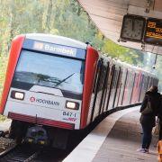 Sohn vor U-Bahn gestoßen - Gericht weist Mutter ein (Foto)