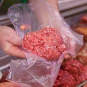 Gefährliche Bakterien entdeckt - Großmetzgerei ruft Ware zurück (Foto)