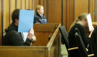 Die Angeklagten Pascal W. (l) und Melanie W. wurden vom Landgericht in Mönchengladbach (Nordrhein-Westfalen) verurteilt. (Foto)
