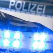 Bei Verfolgungsjagd! Minderjährige Einbrecher crashen mehrere Autos (Foto)