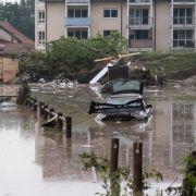 Hochwasserkatastrophe! Taucher suchen nach vermisstem Ehepaar (Foto)