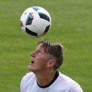Bastian Schweinsteiger will gegen Ungarn spielen (Foto)