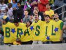 Brasilianische Fans begrüßen die Selecao. (Foto)