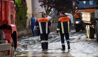 In Simbach am Inn (Bayern) gehen die Aufräumarbeiten nach dem Hochwasser weiter. (Foto)