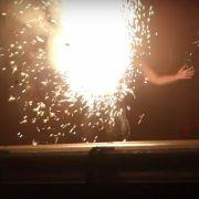 Rammstein-Sänger sprengt sich auf der Bühne in die Luft (Foto)