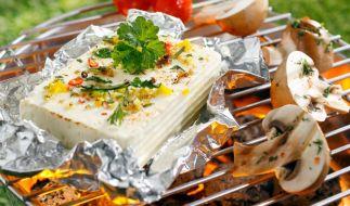 Wie gefährlich sind Alu-Schalen beim Grillen wirklich? (Foto)