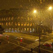 Zwischen Januar und Februar 2012 gab es hingegen mehr als 600 Kältetote in Europa. Die Tiefsttemperatur von -45° wurde am 6. Februar in der Schweiz gemessen, die Rekord-Schneehöhe lag bei 5 Metern in Rumänien.