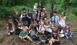 """Eine Fotografin stellt Szenen von """"The Walking Dead"""" mit Kindern nach. (Foto)"""
