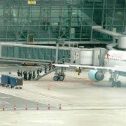 Leiche in Flugzeug auf Brüsseler Flughafen (Foto)