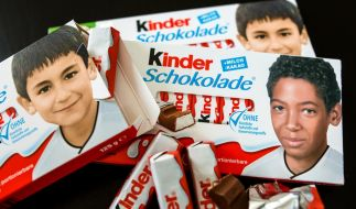 Mit der Sonderedition der Kinderschokolade sorgte Ferrero bei manchen Bürgern für Verwirrung, jetzt dient sie einem guten Zweck. (Foto)
