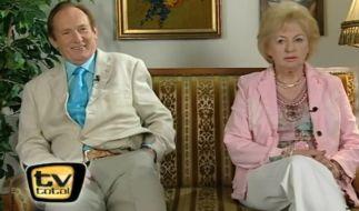 """Sieht so eine langjährige typisch deutsche Ehe aus? Klaus und Ingrid bei """"TV Total"""". (Foto)"""