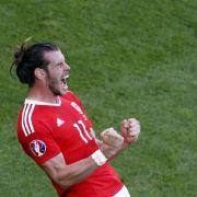 Vor dem Spiel: Gareth Bale bricht Fan die Nase (Foto)