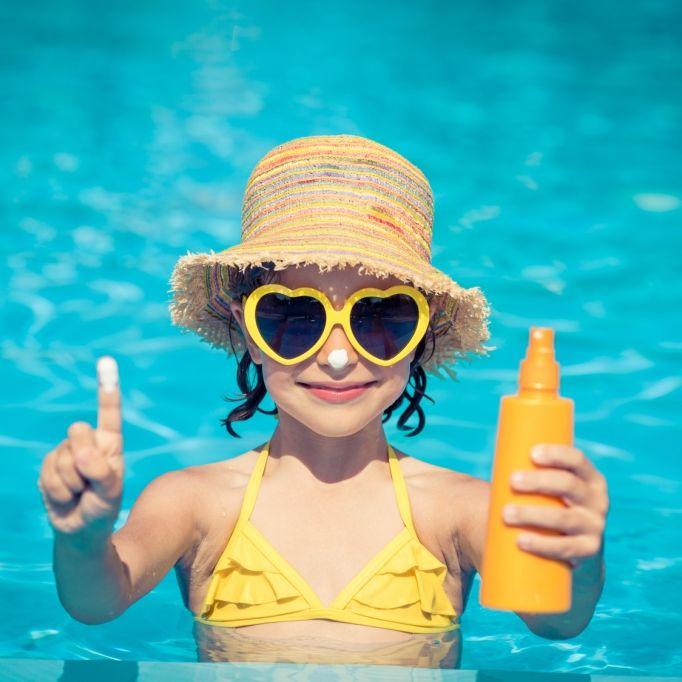 Verbrennungen und Juckreiz! So gefährlich ist Sonnencreme (Foto)