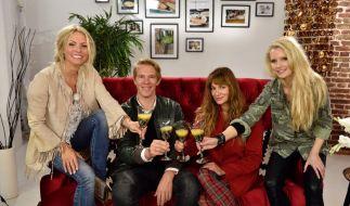 Sonya Kraus, Simon Gosejohann, Alexandra Kamp und Mirja du Mont (v.l.n.r.) freuen sich auf eine spannende Shopping-Woche. (Foto)