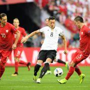 So cool kontert Mesut Özil Scholls fiese Spiel-Kritik (Foto)