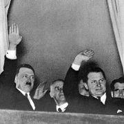 Nazi-Auktion - Fast 300.000 Euro für Hitlers letzte Uniform-Jacke (Foto)