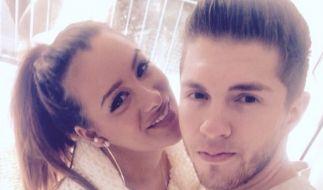 Sollen einem Medienbericht zufolge für ihre TV-Hochzeit eine Schein-Ehe eingehen: DSDS-Star Joey Heindle und seine Freundin Justine Dippl. (Foto)