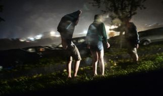 """""""Southside""""-Besucher versuchen sich in Sicherheit zu bringen. (Foto)"""