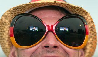 Sonnenbrille sollten nicht nur modisch kleiden, sondern auch ausreichend Schutz bieten. (Foto)