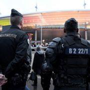 Terror-Alarm? Polizei sprengt Motorroller (Foto)