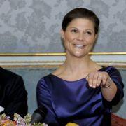 Bereits 2001 hatte Victoria den Mann für's Leben kennengelernt. Daniel Westling trainierte die Prinzessin im Nobel-Fitnessstudio