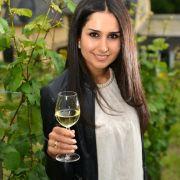 Erste syrische Weinkönigin in Deutschland gekürt (Foto)
