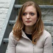 Sabine Dardenne wurde als 12-Jährige von Marc Dutroux entführt und konnte von der Polizei befreit werden. Hier ist sie 2004 vor dem Büro ihres Verteidigers zu sehen.