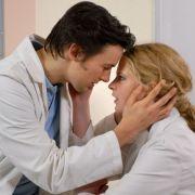 Dr. Marc Meier: Diese schwangere Nonne verdreht ihm den Kopf (Foto)