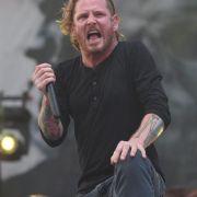 Genickbruch! Slipknot-Sänger bricht auf Bühne zusammen (Foto)
